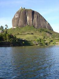Monodedo Colombia - donde escalar, montañismo, alpinismo, equipo de escalada, caminatas, escaladores, escalada en roca, Suesca, La Calera, Macheta,Medellin, El Peñol, Bucaramanga, San Gil, El Cocuy, Manizales, Tayrona, Boyaca, Motavita