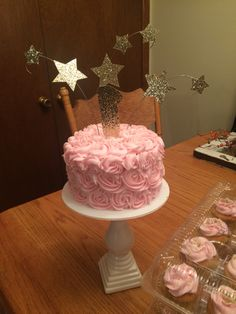 Twinkle twinkle little star themed smash cake for a little girl