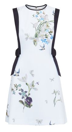 The Fashion Magpie // Floral Bow Dress.