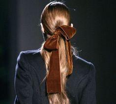 *velvet hair bow/ very calvin klein late Ponytail Hairstyles, Pretty Hairstyles, Daily Hairstyles, Hair Ponytail, Hairstyles 2018, Hair Inspo, Hair Inspiration, Fashion Inspiration, Velvet Hair