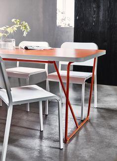 BACKARYD / RYDEBÄCK - Table, orange, orange - Référence : 090.402.90 - 79 € http://www.ikea.com/fr/fr/catalog/products/S09040290/  #IKEA #cuisine #table #salleamanger #deco #decoration #interieur #orange #couleur