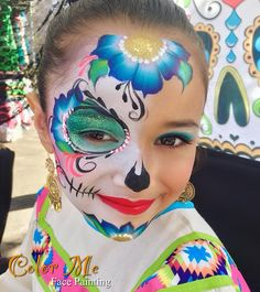 Your search for eerie and spooky ghost makeup ideas ends here. We have shortlisted the most popular Ghost makeup for Halloween. Sugar Skull Face Paint, Sugar Skull Makeup, Sugar Skull Art, Sugar Skulls, Candy Skulls, Sugar Skull Halloween Outfit, Halloween Costume Couple, Spooky Halloween, Halloween Face Paint Scary