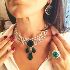 OH DARLING, DON'T FORGET TO PICK UP SOME GREENS! And the greens I love best are always from ! Emerald and diamond choker that would be befitting of a queen, teamed with earrings and cabochon ring of incomparable beauty! Jewelry Design Earrings, Emerald Jewelry, Gold Jewellery Design, Necklace Designs, Jewelry Necklaces, Copper Jewelry, Ring Designs, Diamond Jewelry, Indian Jewelry Sets