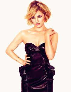 Diana Agron. I <3 her. She is so beautiful and a fantastic actress in Glee! My fav show!!