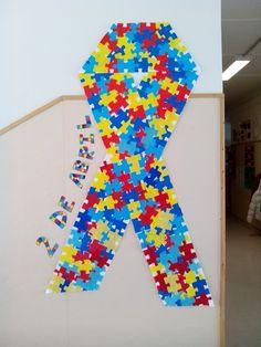 Mural autismo World Autism Awareness Day, Kindergarten, Symbols, Letters, Ideas, Toddler Christmas Crafts, Blue Prints, Kindergartens, Letter