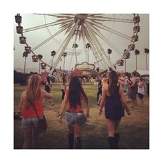 summer | Tumblr ❤ liked on Polyvore featuring pictures, backgrounds, friends, photos and people