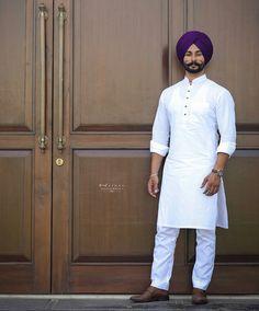 Punjabi Kurta Pajama Men, Punjabi Men, Gents Kurta Design, Boys Kurta Design, Blazer Outfits Men, Stylish Mens Outfits, White Kurta Men, Pathani For Men, Indian Men Fashion