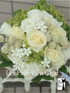 ウェディング フラワー セレクト ショップ ~レ・パデュシャ~(Wedding Flower Select shop ~Les Pattes du Chat~)... ホワイト&グリーンのクラッチブーケ