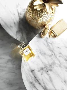 Still Life Photographer Candice Milon - Marbre & Gold - parfum chanel #perfume #stilllife