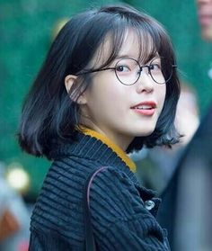 Trending hair cut in China Bangs And Glasses, Hairstyles With Glasses, Cute Hairstyles, Iu Short Hair, Korean Short Hair, Shot Hair Styles, Long Hair Styles, Hair Inspo, Hair Inspiration