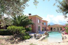 #Corse: entre l'ILE ROUSSE et CALVI, sur un emplacement privilégié avec la mer à pied, très belle propriété de maître, avec une splendide vue mer dans un environnement calme et préservé.