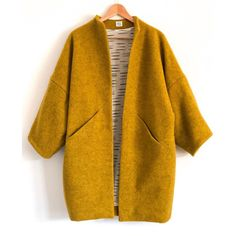 That colour! So in love with this Sapporo Coat by Made in the most beautiful wool fleece and… Coat Patterns, Coat Pattern Sewing, Coat Dress, Dress Skirt, Mode Inspiration, Diy Clothes, Autumn Fashion, Fashion Coat, 70s Fashion