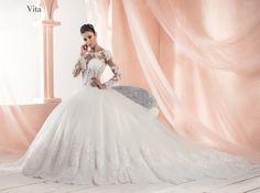 #Mimmagiò#Atelier #Abiti #WeddingDress #WeddInginItaly #Moda #Matrimonio #Sposa #Bride #TuttoSposi #Fiera #Wedding #Campania Gown Wedding, Wedding Dresses, Ball Gowns, Fashion, Atelier, Dress, Dress Wedding, Bride Dresses, Ballroom Gowns