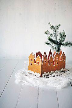 Piparkakkukaupunki | K-ruoka #joulu #piparkakut White Christmas, Xmas, Interesting Recipes, Lifehacks, Gingerbread Cookies, Good Food, Baking, Cake, Desserts