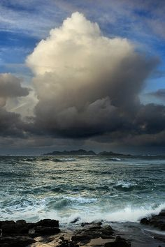Al mal tiempo.....   Flickr - Photo Sharing!
