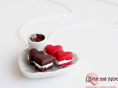 Heart Shaped Macaroons on a Plate Necklace Mini Food Jewelry - Miniature Food Jewelry, Handmade Necklace, Polymer Clay, Foodie Gift, Kawaii