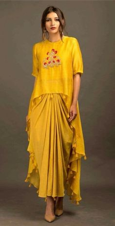 for this Tailer fit designer wear Western Dresses, Indian Dresses, Indian Outfits, Indian Designer Outfits, Designer Dresses, Stylish Dresses, Fashion Dresses, Look Short, Mode Hijab