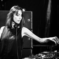The Recommend -Amelie Lens- Electric Mode Play That Funky Music, Music Love, Music Is Life, Amelie, Coachella, Music Girl, Edith Gonzalez, Girl Dj, A State Of Trance