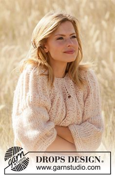 Knitted jumper in DROPS Air and DROPS Brushed Alpaca Silk. Piece is knitted top down with Fisherman's rib stitches on yoke and ¾ sleeves. Drops Design, Knitting Patterns Free, Free Knitting, Magazine Drops, Labor, Crochet Diagram, Alpacas, Work Tops, Pullover