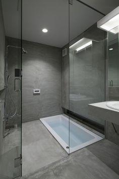 Sunken bath at Tamatsu House, Osaka, Japan, by Ido, Kenji Architectural Studio.