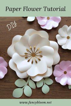 Free Paper Flower Templates, Paper Flower Patterns, Large Paper Flowers, Paper Flowers Craft, Paper Flower Tutorial, Paper Flower Wall, Paper Roses, Flower Crafts, Diy Flowers