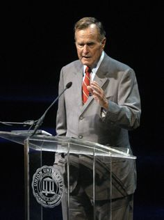 Former President George H. W. Bush was the featured speaker at Union University's Eighth Annual Scholarship Banquet.