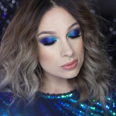 If you need an inspiration for your New Year's Eve make up and you dare to wear color - search no more - I present you my Peacock Smoky Eye look  I used: @anastasiabeverlyhills Cream Contour Kit in Light and Waterproof Creme Color in Jet, @makeuprevolution Salvation eyeshadow palette in Give Them Nightmare and Lip Lava in Forgiven, @inglot_cosmetics eyeshadow nr 135 R and pigments nr 114, 113, @ardell_lashes Demi Wispies and nr 318 stacked, @zoevacos