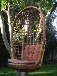 Gentil VINTAGE RATTAN HANGING BASKET CHAIR