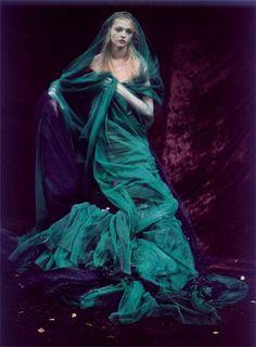 Paolo Roversi, Italian Vogue, 2006.  ♛   ♛~✿Ophelia Ryan ✿~♛