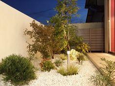 表と裏。異なる雰囲気で200%たのしむライティングプラン。 #lightingmeister #pinterest #gardenlighting #outdoorlighting #exterior #garden #light #house #home #front #back #frontandback #office #meetingroom #wall #negotiation #lookoutthewindow #表 #裏 #表と裏 #オフィス #会議室 #壁 #商談 #窓の外 Instagram https://instagram.com/lightingmeister/ Facebook https://www.facebook.com/LightingMeister