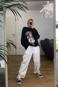 Swag Outfits, Retro Outfits, Trendy Outfits, Cute Outfits, Tomboy Fashion, Streetwear Fashion, Fashion Outfits, Chicago Outfit, Look Girl