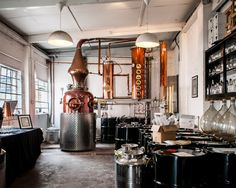 "This is the Sipsmith distillery in Hammersmith London, and they make really good gin. I really like gin. The beautiful still is called ""Prudence"", and is the first copper still to start working . Craft Gin, Craft Beer, Beer Brewing, Home Brewing, Gin Foundry, Gin History, Sipsmith Gin, Copper Still, Brewery Design"