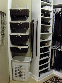 I would of never thought to use cute baskets & wall mounting brackets together! Good idea for swimsuits & leggings/tights