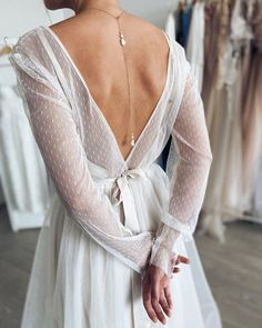 Свадебные украшения Серьги в Instagram: «Сотуары - просто любовь😌⠀ ⠀ Стоимость подобного 2700 руб❤️⠀ ⠀ #dreamel_сотуар #сотуар #сотуары #сотуарыручнойработы #сотуарспб» Back Jewelry, Lace Wedding, Wedding Dresses, Fashion, Bride Dresses, Moda, Bridal Gowns, Fashion Styles, Weeding Dresses