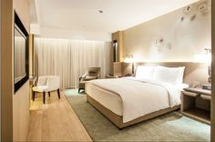 View deals for The East Hotel Hangzhou. Luxury-minded guests enjoy the breakfast. WiFi and parking are free, and this hotel also features a restaurant. Conference Facilities, Hotel Staff, Hotel Guest, Marriott Hotels, Hangzhou, Hospitality Design, Hotel Reviews, Hotel Offers, Bedding Sets