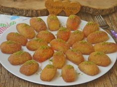 How to Make Sherbet Semolina Dessert? How To Make Sherbet, Sweet Potato, Cheesecake, Strawberry, Menu, Peach, Iftar, Food And Drink, Fruit