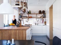 Kjøkkeninspirasjon -  Moderne, hvitt kjøkken – Line