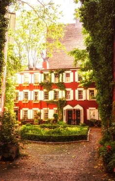 New York City townhouses - Grove Court - Greenwich Village: Take a peek into a historic part of lower Manhattan. This little court features a garden and pre-Civil War homes.
