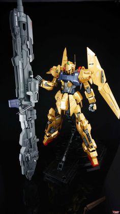 MG Hyaku Shiki - Customized Build Modeled by 扭曲机器 Gundam Toys, Zeta Gundam, Suit Of Armor, Gundam Model, Mobile Suit, Displaying Collections, Anime, Plastic Models, Cool Toys