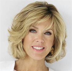 Deborah Norville To Host Broadcasters Foundation Of America's Golden Mike Award Dinner Medium Hair Cuts, Short Hair Cuts, Medium Hair Styles, Curly Hair Styles, Medium Layered Hair, Hair Styles For Women Over 50, Short Hair With Layers, Grunge Hair, Great Hair