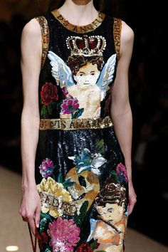 The complete Dolce   Gabbana Fall 2018 Ready-to-Wear fashion show now on  Vogue Runway. 6d7e14dc4c
