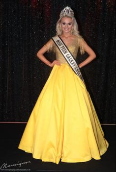 Misha Grimes, Miss Teen Galaxy England 2017 - Photo: Monsignor Photographic Pageant Tips, Beauty Pageant, Yellow Evening Gown, Evening Gowns, Pageant Questions, Pageant Crowns, Platinum Blonde Hair, Kinds Of Clothes, Prom Dresses