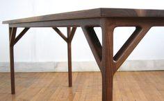 Jason Lewis Table Detail