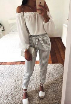 Looks com Calças listradas - Teen Shirts - Ideas of Teen Shirts - Looks com Calças listradas Fashion Mode, Cute Fashion, Look Fashion, Teen Fashion, Fashion Outfits, Womens Fashion, Classy Fashion, Fashion Shoes, Fashion Spring