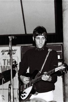 Find the perfect pete townshend stock photo. Huge collection, amazing choice, million high quality, affordable RF and RM images. Charlton Athletic Football Club, John Entwistle, Behind Blue Eyes, Pete Townshend, Roger Daltrey, 60s Music, British Rock, Rockn Roll, British Invasion