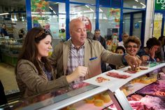 Andrew Zimmern is off to Lisbon to discover a diverse and unexplored European cuisine.The episode aired for the first time on November 3, 2014 at 9 p.m. on the Travel Channel. November 3, 2014 by http://tastychomps.com