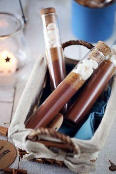C'est la petite idée de cadeau gourmand express de dernière minute que je vous propose. La seule chose qu'il vous faut déjà chez vous, ce sont les fioles.