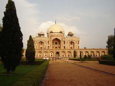 Humayun's Tomb: Places to Visit in New Delhi, India #Delhi #india