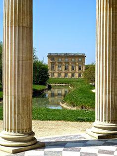 Le Petit Trianon vu depuis le Temple de l'Amour, Versailles - photo Marie J