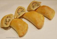 Pieczone pierogi z łososiem Calzone, Ravioli, Dumplings, Crepes, Cantaloupe, Pancakes, Pierogi, Potatoes, Fruit